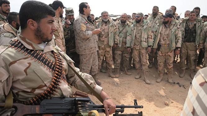 Các chiến binh lực lượng Diều hâu Sa mạc