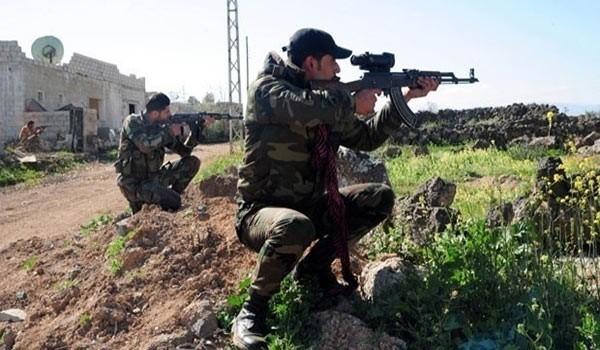 Binh sĩ Syria tham gia chiến đấu trên chiến trường khu trang trại Mallah, Aleppo