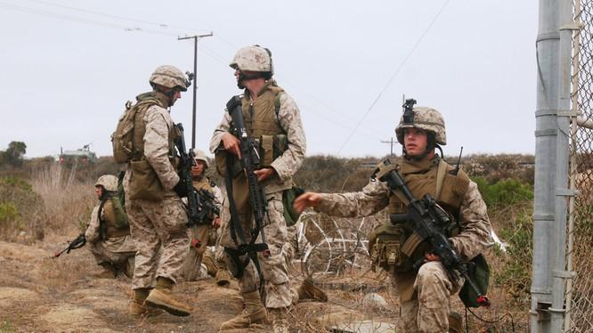 Lính thủy đánh bộ Mỹ thuộc đơn vị MEU số 11