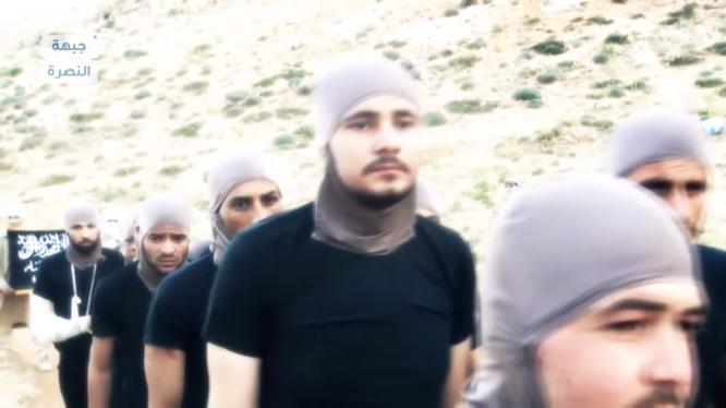 Nhóm binh sĩ quân đội Syria bị Jabhat Al-Nusra hành quyết