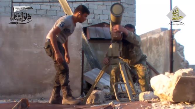 Nhóm Hồi giáo cực đoan sử dụng tên lửa chống tăng tấn công phía quân đội Syria