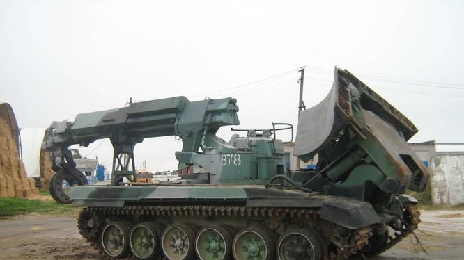Xe kỹ thuật công binh, rà phá bom mìn và cứu kéo IMR-2M ở Syria