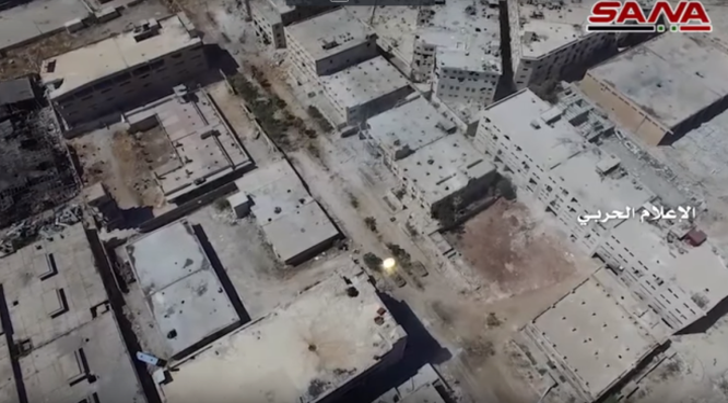 Khu phố đang giao chiến nhìn từ UAV
