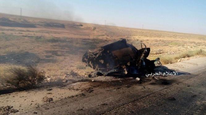Xe VBIED bị bắn tan trên đường quốc lộ Salamiyah-Ithriyah