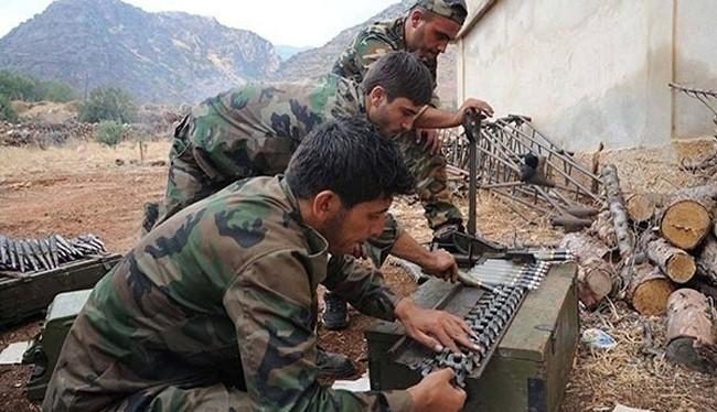 Binh sĩ quân đội Syria chiến đấu trên chiến trường Aleppo