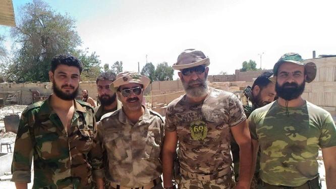 Các sĩ quan chỉ huy chiến trường Deir Ezzor