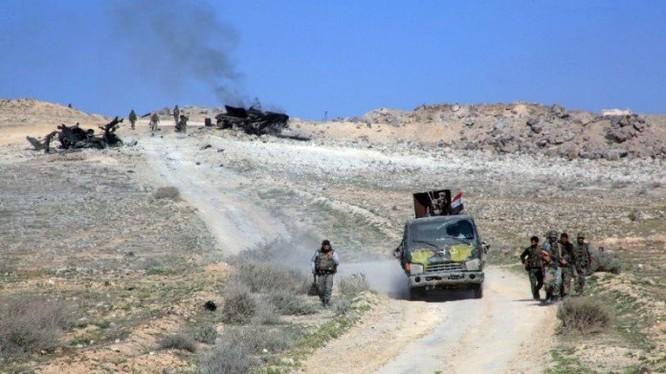 Binh sĩ quân đội Syria trên chiến trường thành phố Aleppo