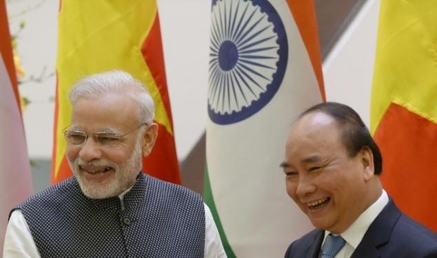 Thủ tướng Ấn Độ Narendra Modi và người đồng cấp Việt Nam thủ tướng Nguyễn Xuân Phúc
