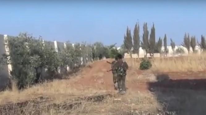 Binh sĩ Syria chiến đấu trên chiến trường Hama