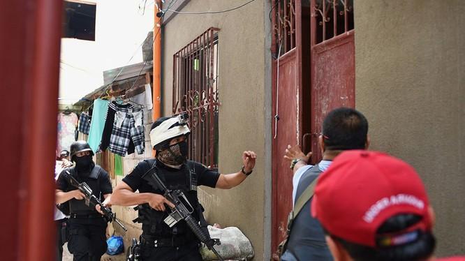 Cảnh sát đặc nhiệm Philipines truy lùng tội phạm ma túy