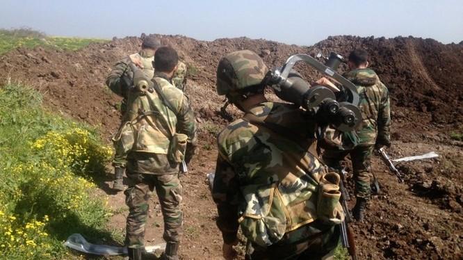 Quân đội Syria hành quân ở Latakia