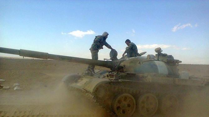 Xe tăng quân đội Syria trên chiến trường Aleppo (ảnh minh họa)