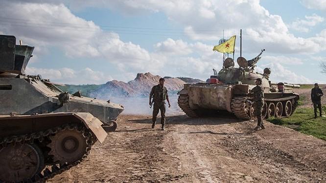 Lực lượng xe tăng người Kurd trên chiến trường Syria