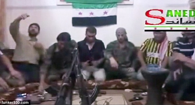 Chiến binh FSA tự giết chính mình bằng selfie.