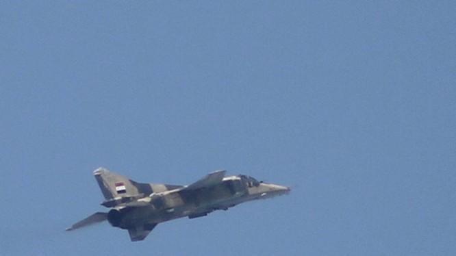 Máy bay ném bom quân đội Syria (ảnh minh họa)
