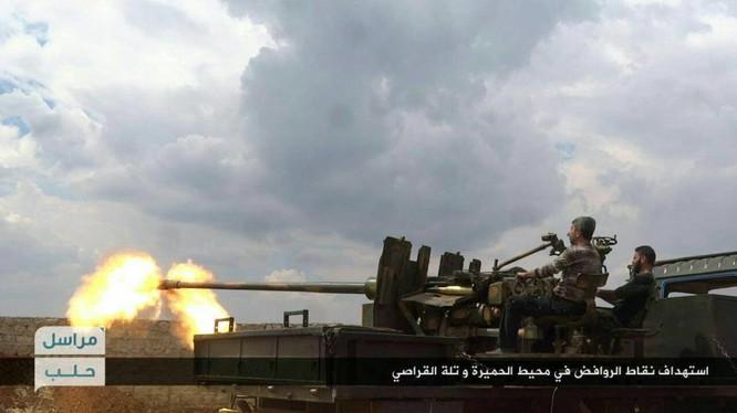 Các binh sĩ Syria chiến đấu trên chiến trường Aleppo