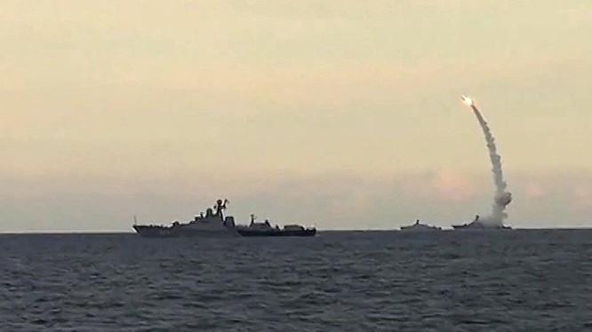 Hải quân Nga phóng tên lửa hành trình
