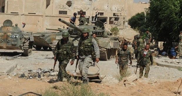 Binh sĩ quân đội Syria trên chiến trường tỉnh Hama