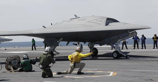 Máy bay tàng hình không người lái X-47B là những loại vũ khí tối tân Mỹ đặt niềm tin trong các trận chiến tương lai