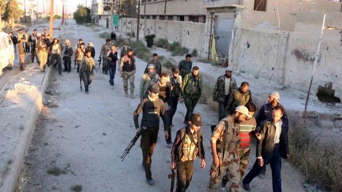 Lực lượng Hồi giáo cực đoan Jaish Al-Islam do Ả rập Xê út hậu thuẫn trong thành phố Douma, thủ phủ của lực lượng bạo loạn