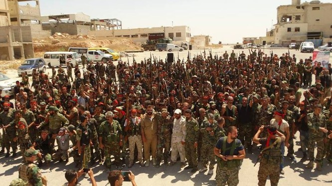 Các chiến binh tình nguyện của lực lượng Liwa Al Quds, Hezbollah, tiểu đoàn Kat'iab Al Baath (tình nguyện quân Iraq)