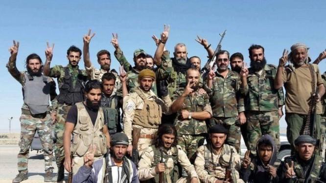 Binh sĩ quân đội Syria trên chiến trường Deir ez Zor