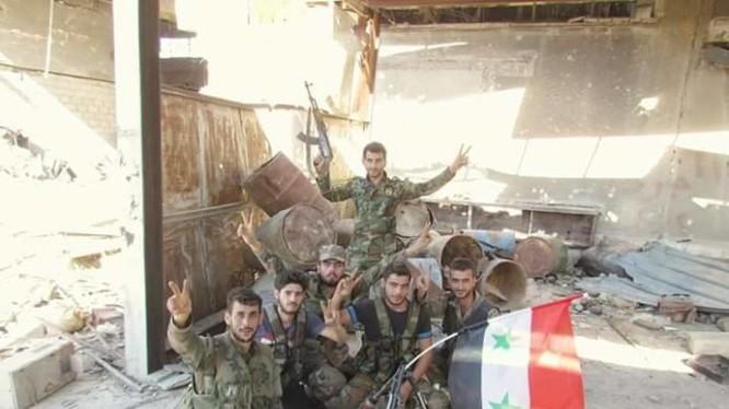 Các binh sĩ quân đội Syria
