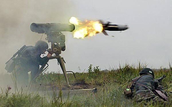 Binh sĩ quân đội Syria sử dụng tên lửa chống tăng Kornet AT-14
