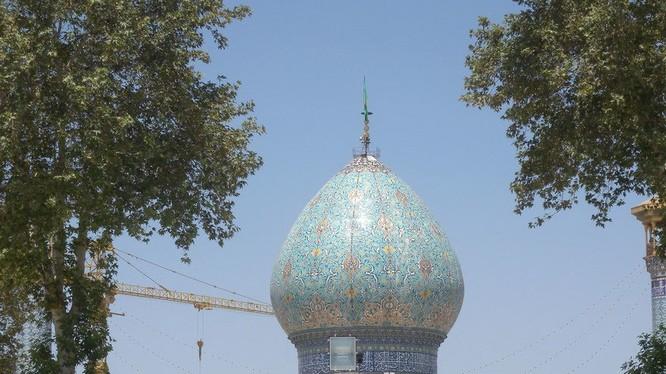 Lăng mộ Shah Cheragh ở Iran