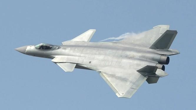 Máy bay tiêm kích tàng hình J-20, Trung Quốc