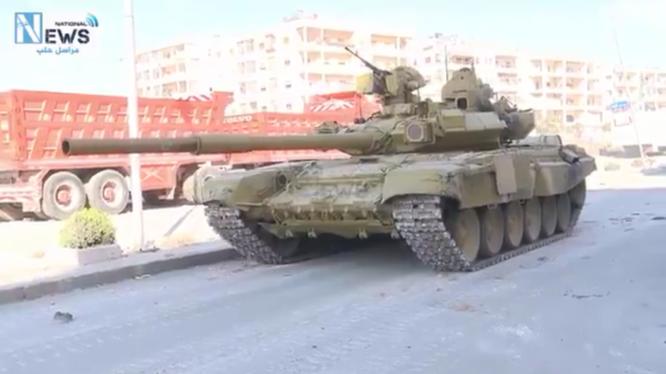 Xe tăng T-90 quân đội Syria trên chiến trường nội đô Aleppo