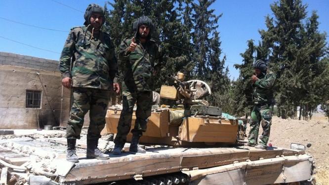 Binh sĩ quân đội Syria chuẩn bị cho trận chiến ở Aleppo