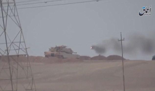 Tên lửa chống tăng Kornet bay đến mục tiêu