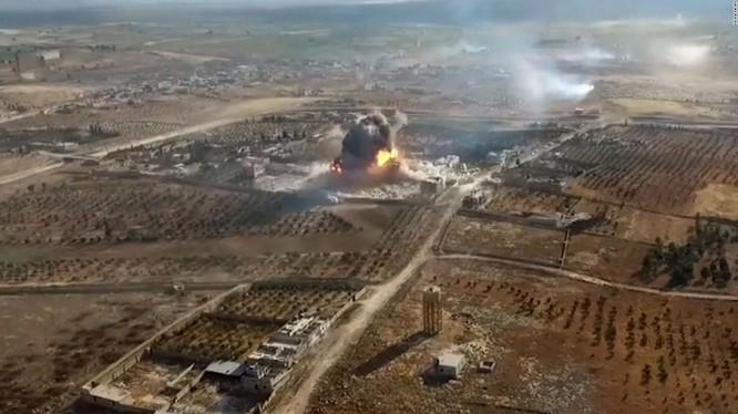 Một vụ đánh bom tự sát của lực lượng Hồi giáo cực đoan trên chiến trường Aleppo