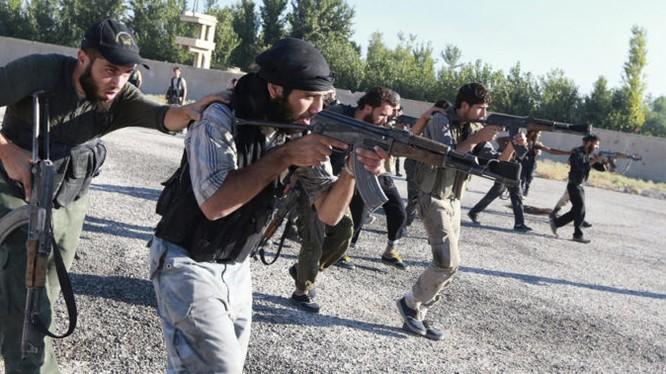 Nhóm chiến binh Hồi giáo cực đoan ngoại ô Damascus