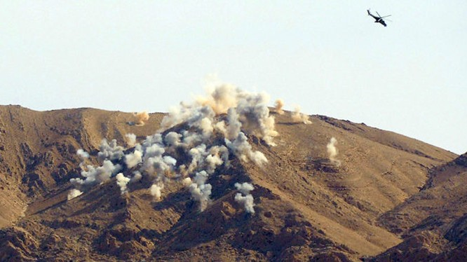 Lực lượng trực thăng chiến đấu Nga không kích ác liệt chiến tuyến của IS trên chiến trường Palmyra