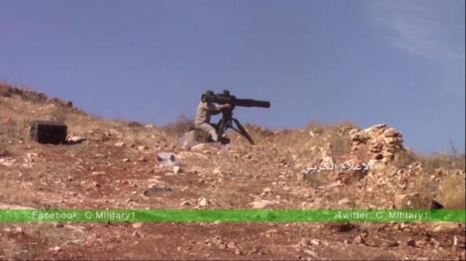 Binh sĩ Syria phục kích bằng ATGM Toophan của Iran