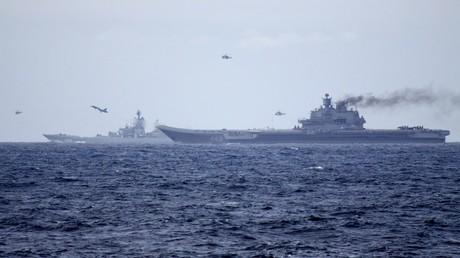 Tàu sân bay Đô đốc Kuznetsov và tàu tuần dương nguyên tử Pyotr Velikiy trên vùng biển Syria