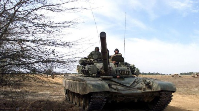 Xe tăng quân đội Syria trên chiến trường Đông Ghouta