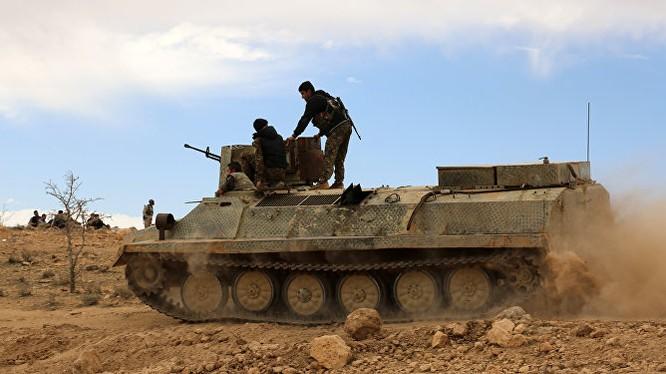 Lực lượng Dân chủ Syria SDF trên đường tiến công về phía thành phố Raqqa, Syria