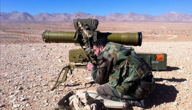 Binh sĩ quân đội Syria sử dụng tên lửa chống tăng ATGM