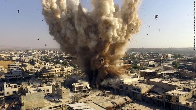 Một vụ nổ bom đường hầm ở ngoại ô thủ đô Damascus