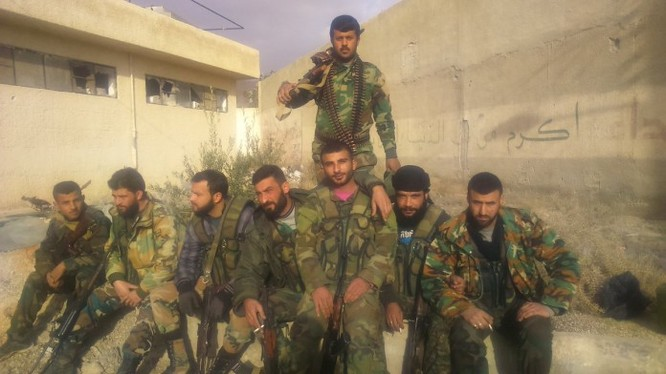 Binh sĩ lữ đoàn cơ giới 42 sau chiến thắng ở Tây Ghouta
