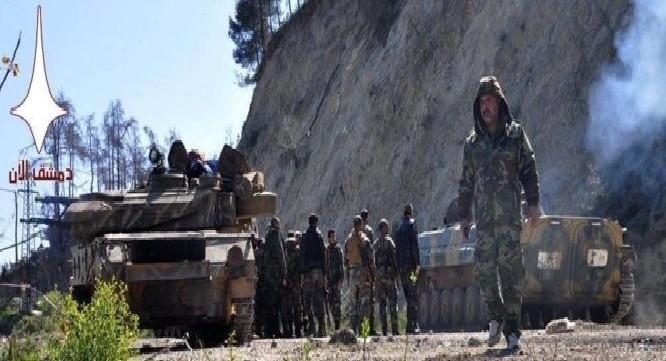 Binh sĩ lực lượng Lá chắn Qalamoun bên ngoài thành phố vệ tinh Al-Tall