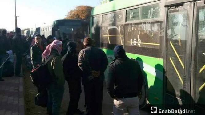 Nhóm chiến binh Hồi giáo cực đoan rút khỏi thị trấn Tây Ghouta