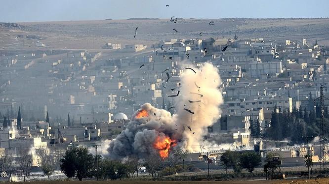 Không quân Thổ Nhĩ Kỳ tấn công lực lượng SDF
