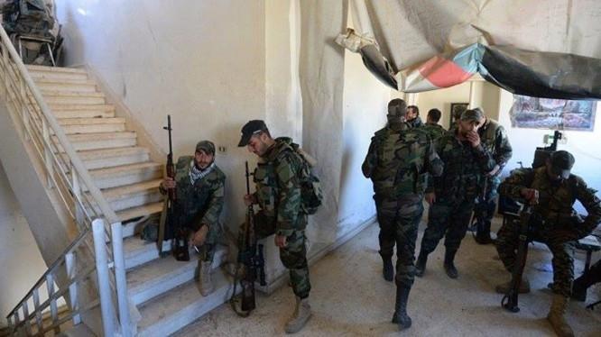Binh sĩ quân đội Syria ở Aleppo