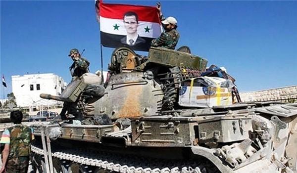 Binh sĩ quân đội Syria trên xe tăng (ảnh minh họa)