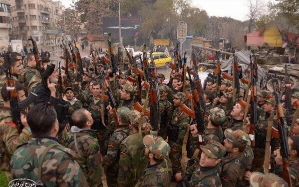 Binh sĩ quân đội Syria chuẩn bị bước vào một trận đánh mới