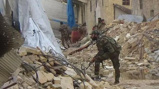 Binh sĩ Syria chiến đấu trên chiến trường Aleppo